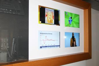 Creatieve media uiting in de gangen bij RTL